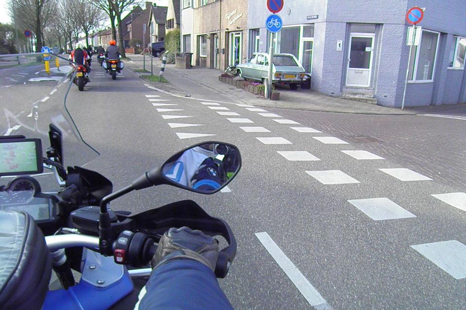 Motorrijbewijspoint Limburg theorie cursus online